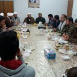 دیدار تعدادی از بسیجیان شهرستان سرخه با امام جمعه محترم در هفته بسیج